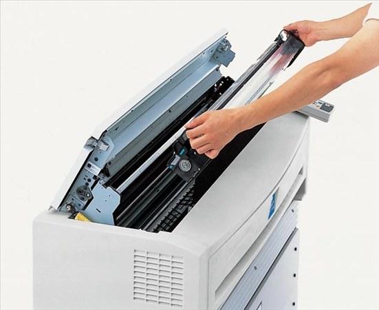 Как вытащить картридж из принтера?